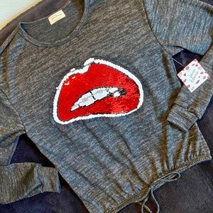 Free Kisses Pull Over Knitt Top